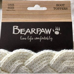Brandy Melville Accessories - NWT Bearpaw Knit Boot toppers socks cream winter
